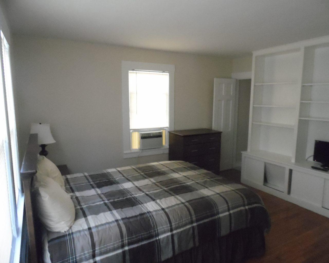 House 52 Bedroom